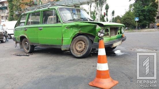 ДТП в Кривом Роге: на перекрестке столкнулись ВАЗ и Volkswagen, - ФОТО , фото-2