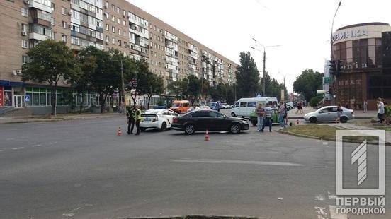 ДТП в Кривом Роге: на перекрестке столкнулись ВАЗ и Volkswagen, - ФОТО , фото-7