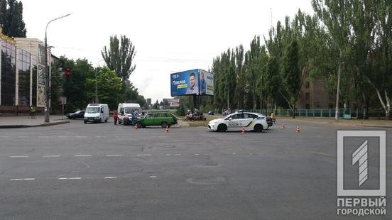 ДТП в Кривом Роге: на перекрестке столкнулись ВАЗ и Volkswagen, - ФОТО , фото-4
