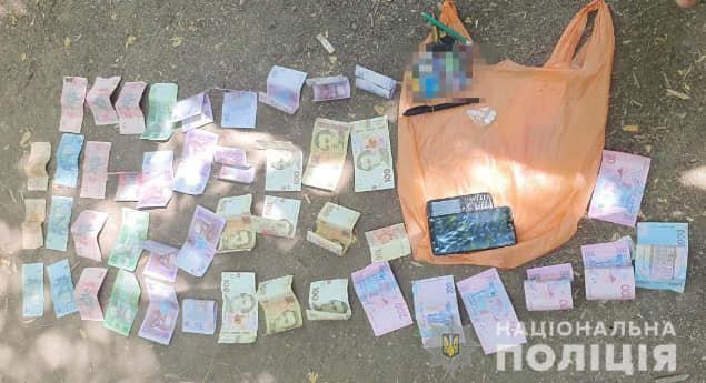 В Кривом Роге задержали с поличным реализатора наркотиков, - ФОТО, фото-2