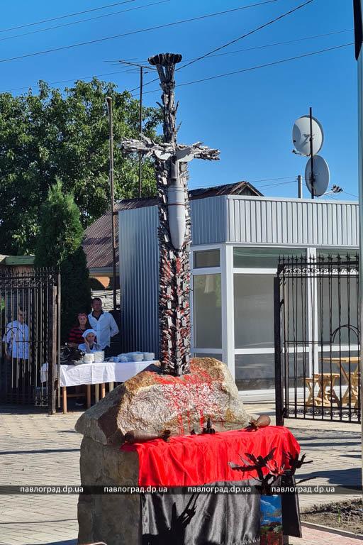 На Днепропетровщине открыли уникальный памятник участникам войны на Донбассе, - ФОТО , фото-3