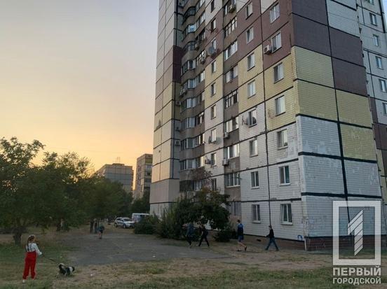 В Кривом Роге 13-летняя школьница выпала из окна, - ФОТО 18+, фото-1
