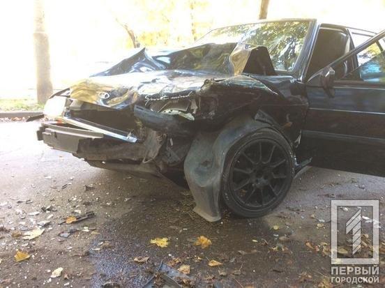 В Кривом Роге выпивший водитель ВАЗа врезался в припаркованные авто и попал в больницу, - ФОТО, фото-3