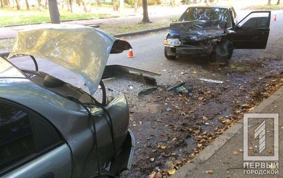 В Кривом Роге выпивший водитель ВАЗа врезался в припаркованные авто и попал в больницу, - ФОТО, фото-4