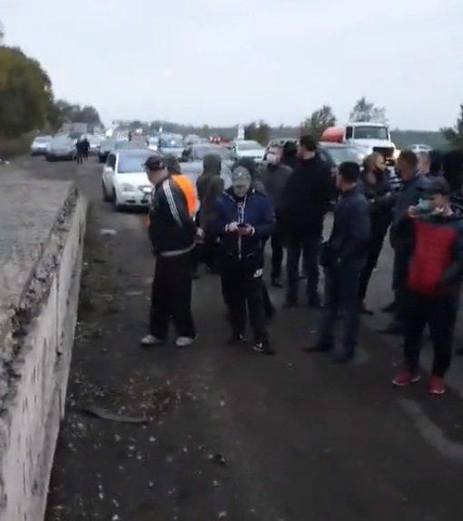 "Под Кривым Рогом ""евробляхеры"" протестуют на проезжей части, - ФОТО, фото-3"