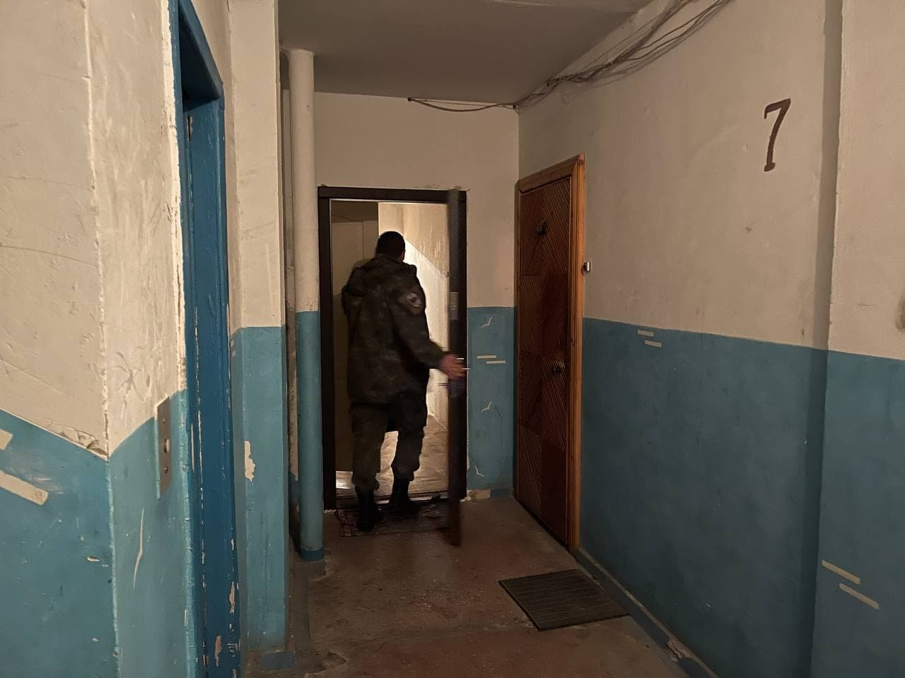 Криворожанин грозился взорвать гранату в квартире. Жена вызвала полицию, - ФОТО, фото-6