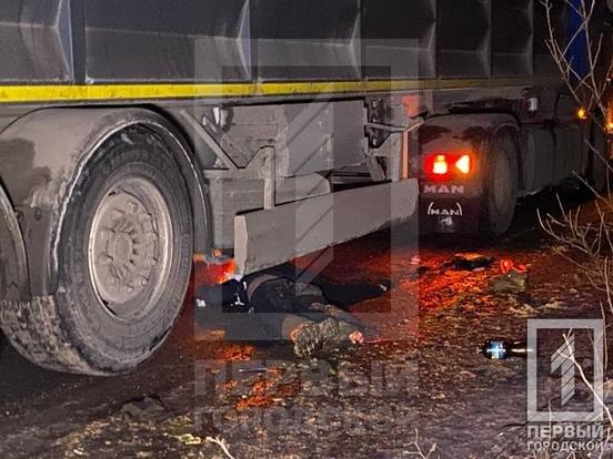 Смертельное ДТП в Кривом Роге: фура сбила двоих пешеходов, - ФОТО , фото-4