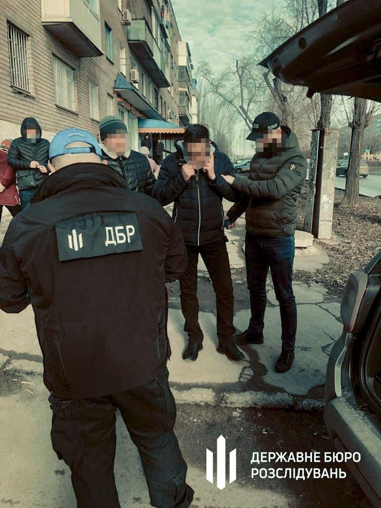 В Кривом Роге полицейского задержали на взятке $ 5000, - ФОТО, фото-1