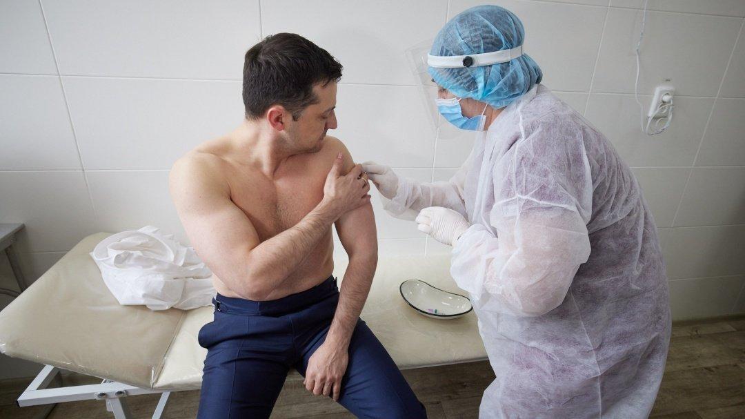 Владимир Зеленский на Луганщине вакцинировался индийской вакциной, - ФОТО, фото-1