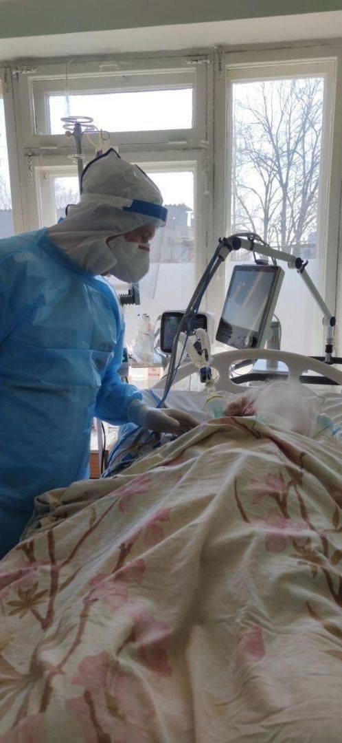 """""""Счастлив, что живу…"""" в Днепре спасают криворожанина с 100% поражением легких, - ФОТО , фото-1"""