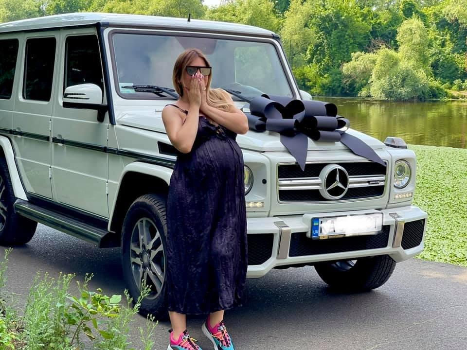 Накануне рождения сына криворожанин подарил жене белый «Гелендваген», - ФОТО , фото-2