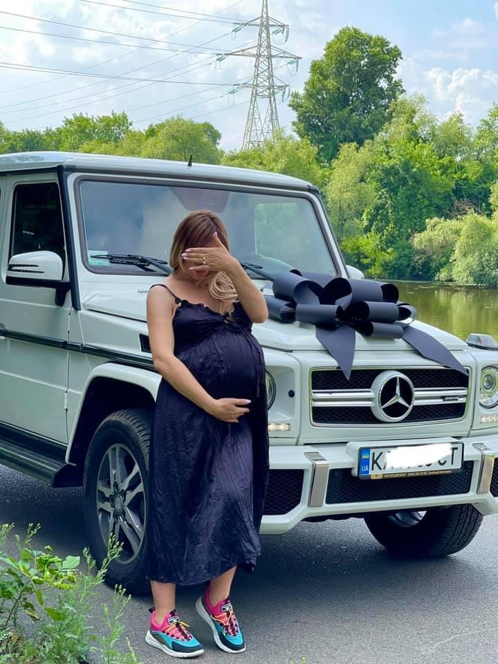 Накануне рождения сына криворожанин подарил жене белый «Гелендваген», - ФОТО , фото-1