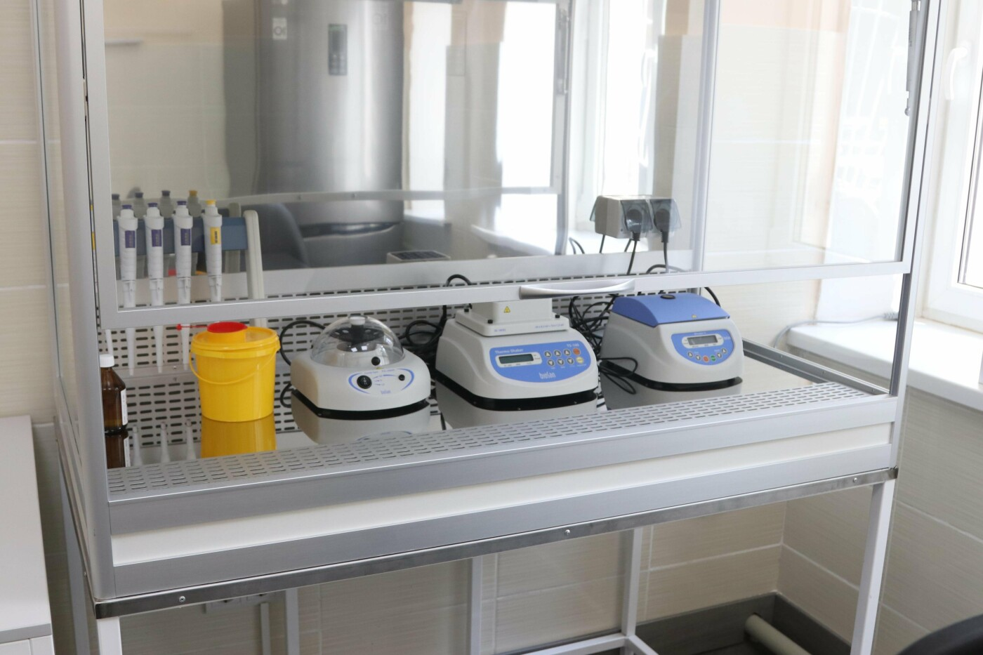 Мер К. Павлов: Продовжуємо зміцнювати діагностичну базу медзакладів міста - лабораторія в інфекційній лікарні  створена для більш ефектив..., фото-6